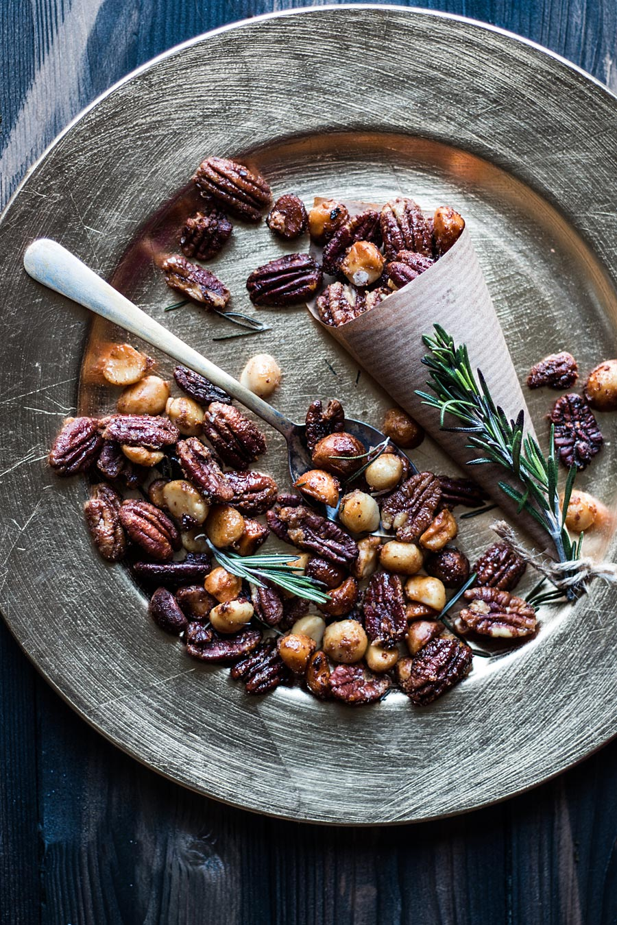 Nuts for the Sacral chakra by Laura Domingo | Omm foods